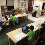 1週間の締めくくりは元気いっぱい4年生たちの速読講座