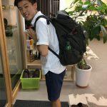 9月。でも、まだ夏休みの大学生・悠介が帰省の足でアビリティへ。