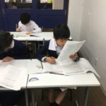 良質な環境で学ぶ小学4年生 クラス制授業の様子